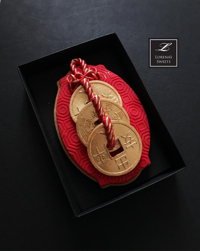 Lorena Rodríguez. Lucky coin. Lucky charm cookie