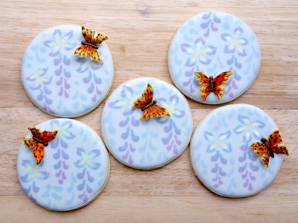 Wisteria and Butterflies - A Honeycat Cookies Tutorial