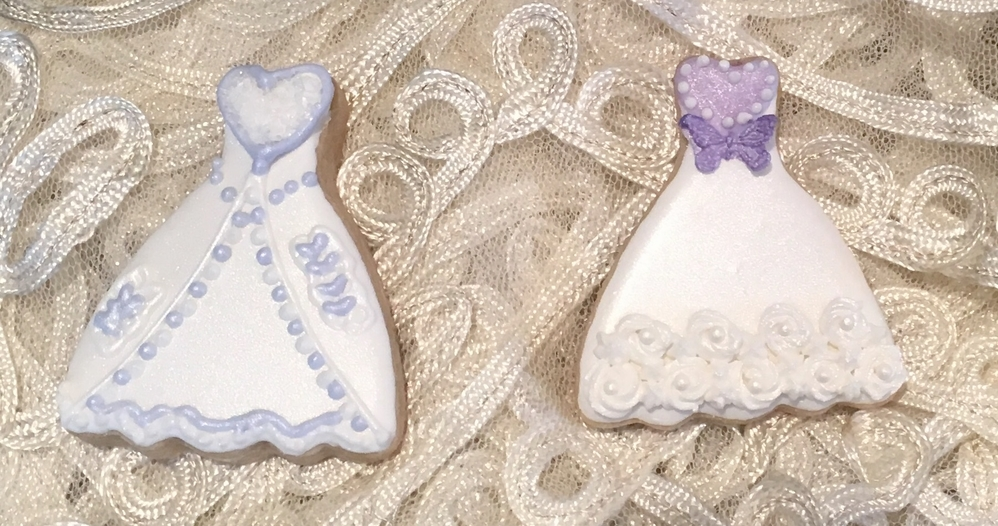 Purple accent wedding gown | Cookie Connection