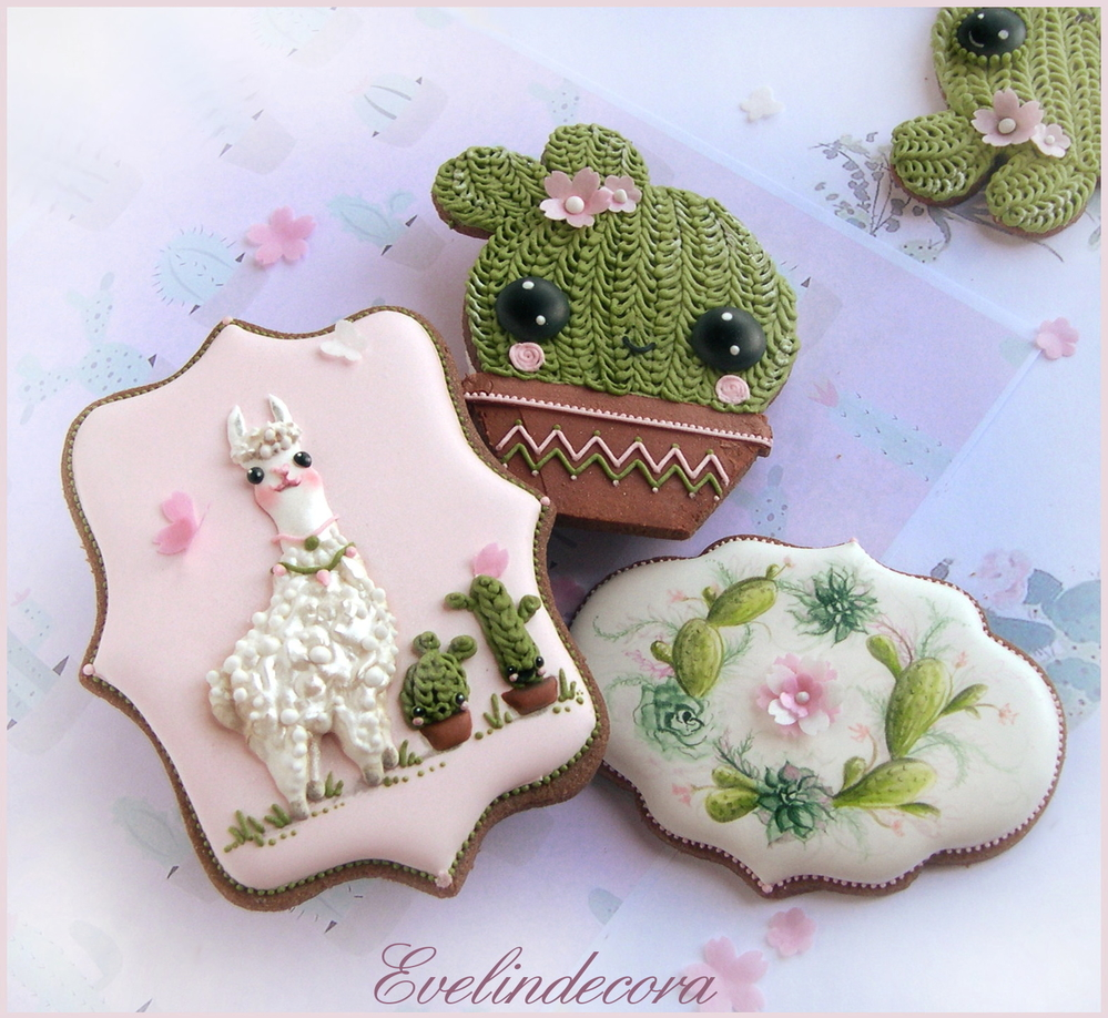 Cactus and llamas cookies