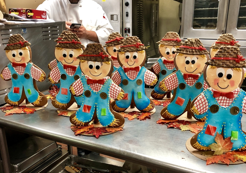 3-D Gingerbread Scarecrows