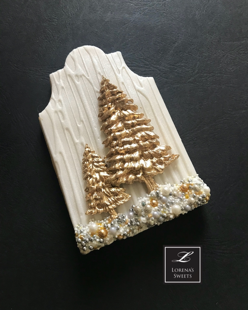White Wood Christmas Cookie by Lorena Rodríguez