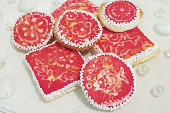 Wet-on-Wet Batik Cookies by Kanch J