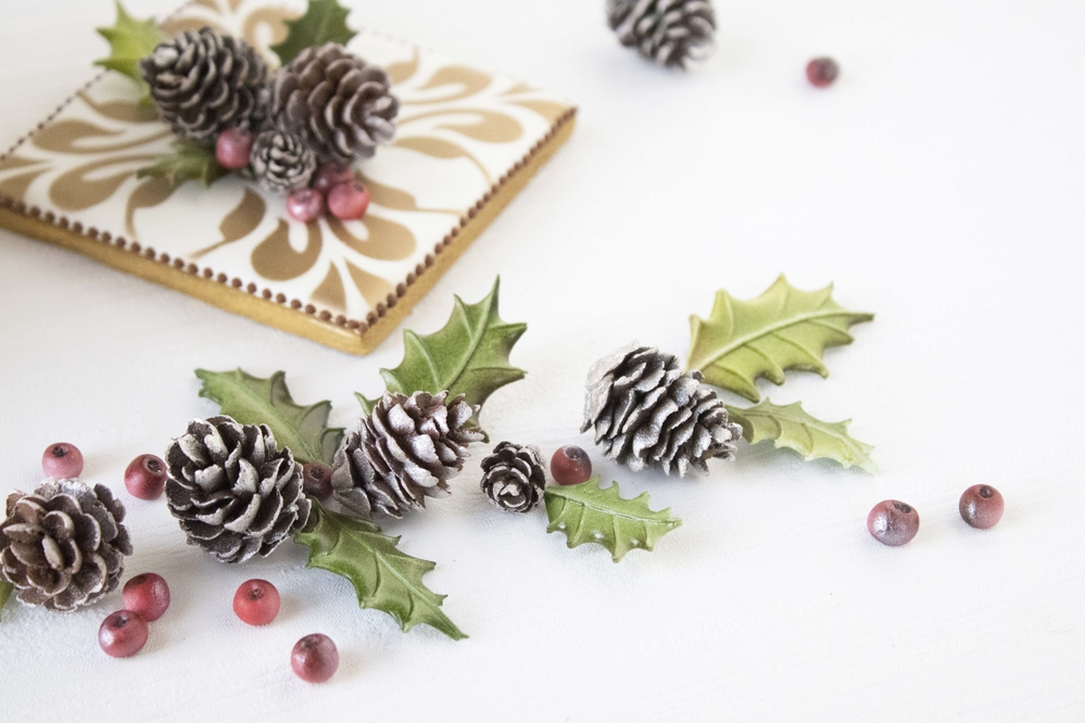 Royal Icing Pine Cones and Curved Holly Leaves