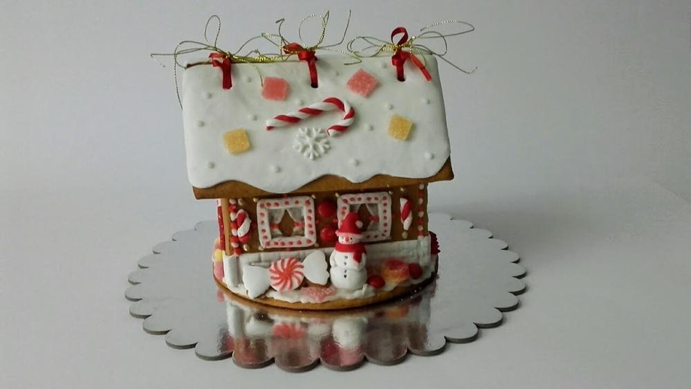 Gingerbread House . . . Medena Kucica