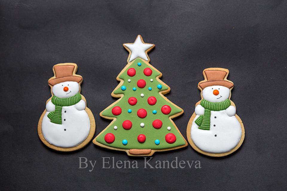 Big Snowen and Big Christmas Tree