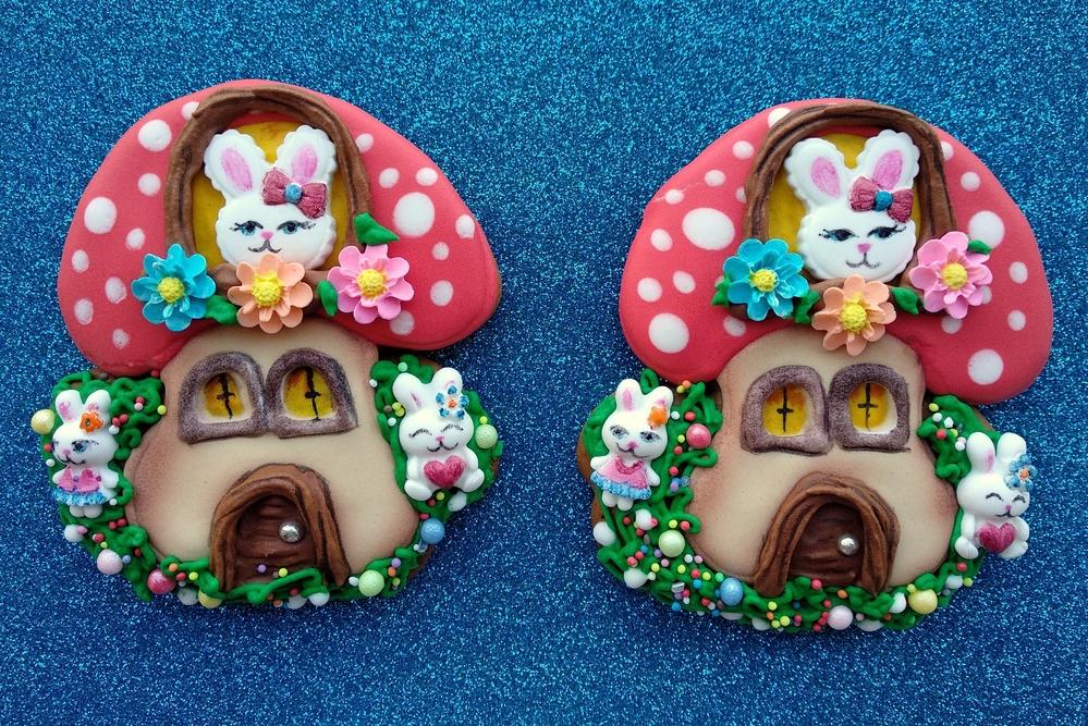 Easter_mushroom_house