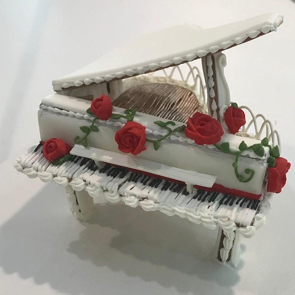Piano by Dani Matos