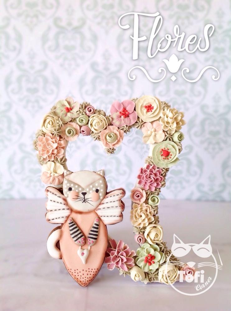 Angel Cat Flores