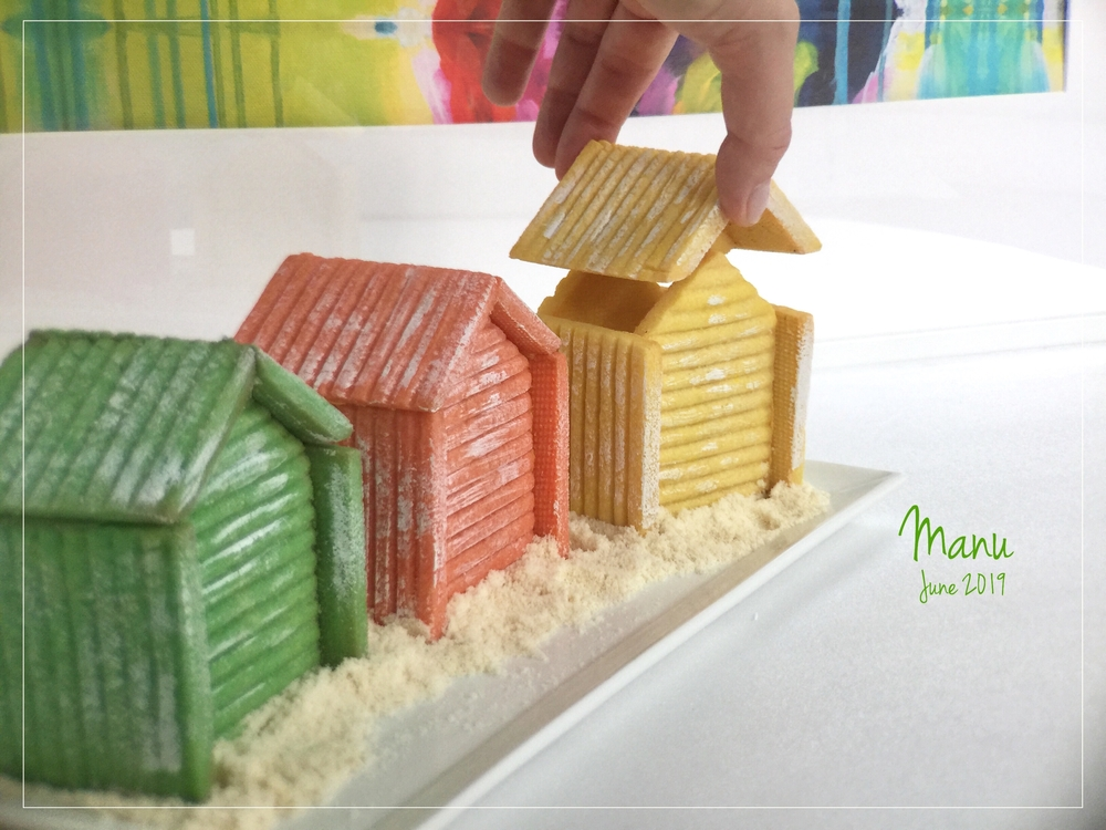 3 Colorful Beach Hut Cookie Boxes | Manu