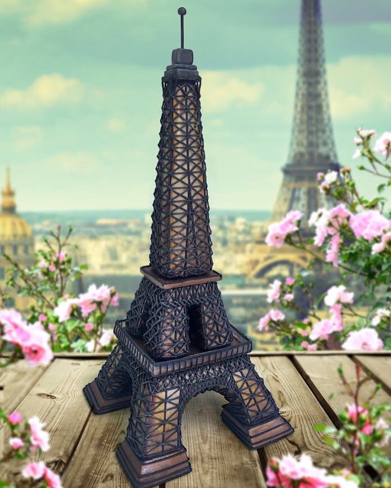 Sweet Eiffel Tower Cookie