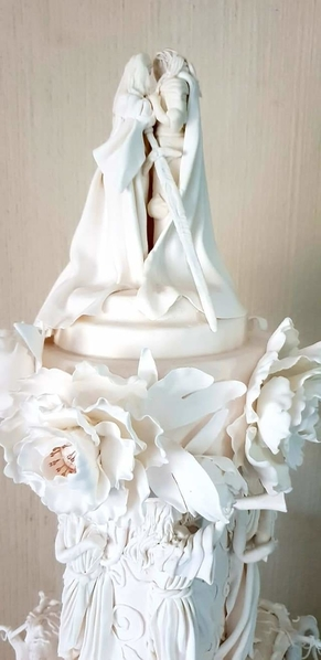 RoyalIcingWeddingCakeRosetteTopper