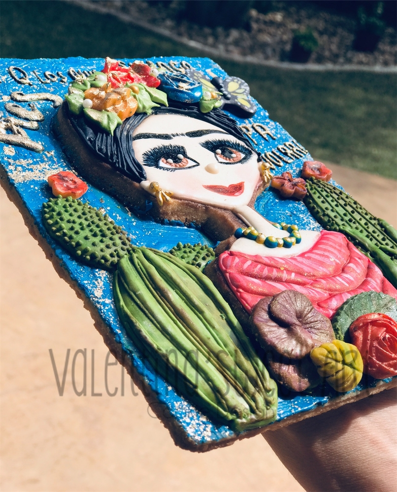 Frida Kahlo of Mexico, Side View