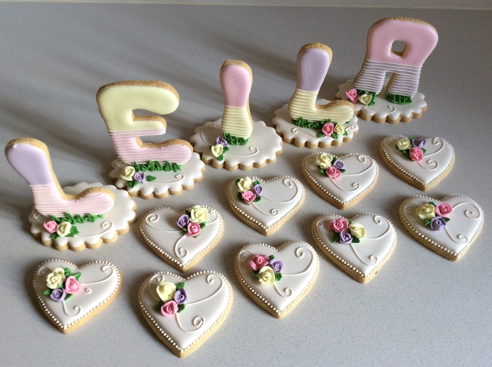 3-D Birthday Cookies in Royal Icing by Rita Knowles