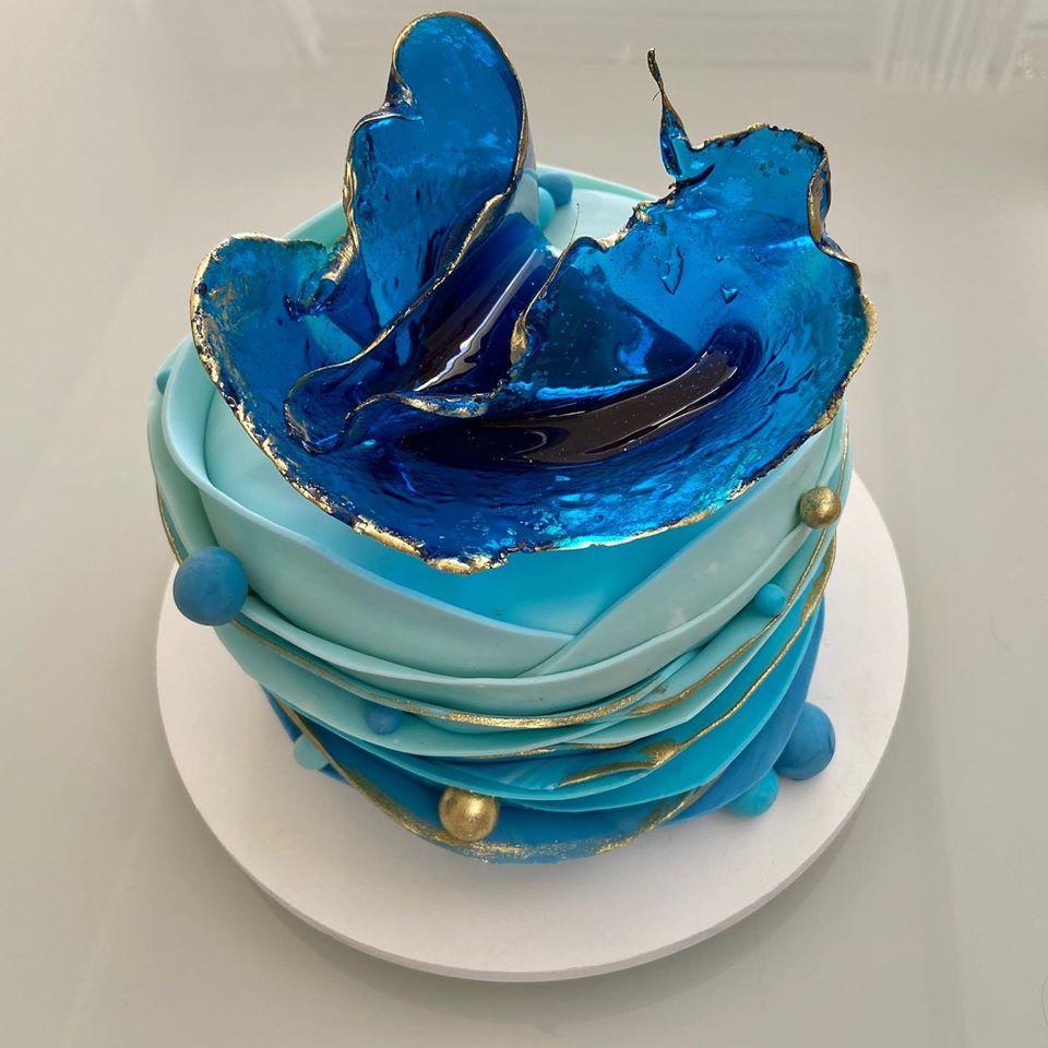 Modern Fondant Cake