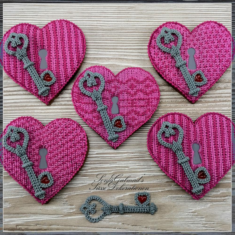 Knit Valentine's Hearts