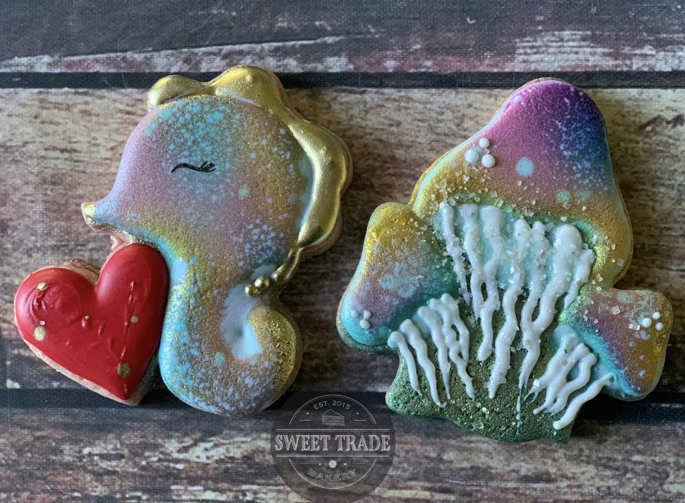 seahorse & jellyfish