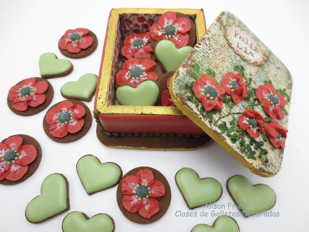 Poppies for Mum Cookie Box