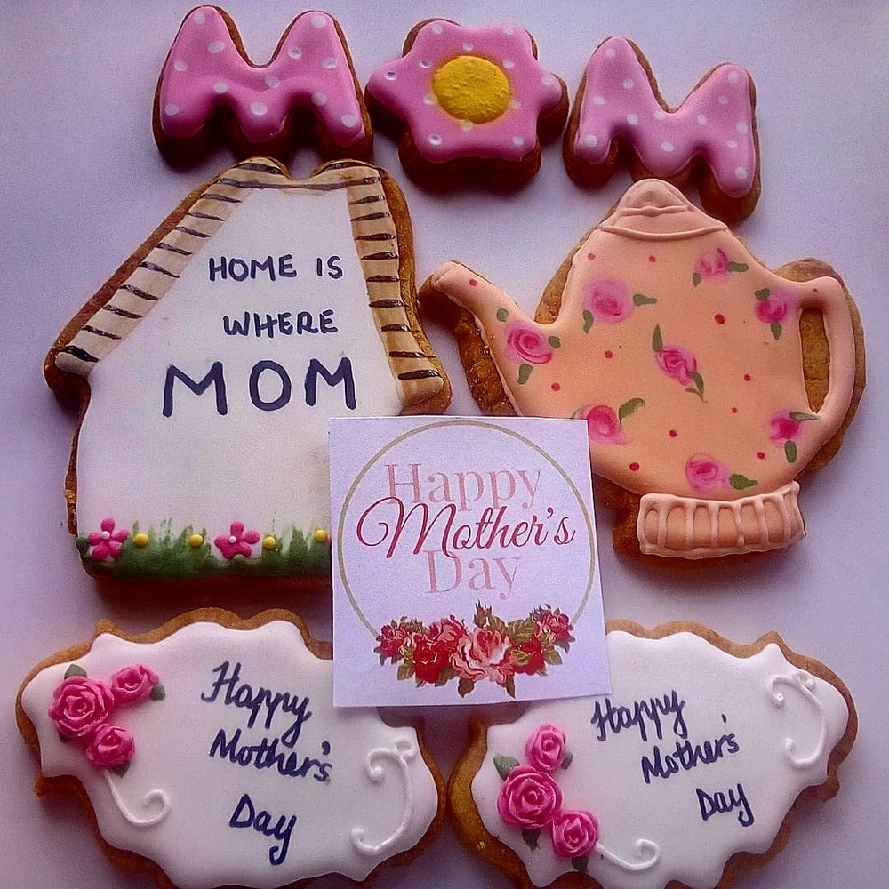 My Mother's Day Cookie Box Contents
