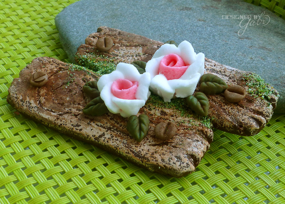 Mossy Wooden Boards with Roses
