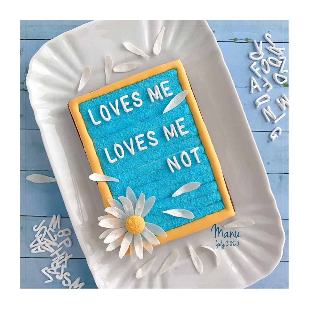 Loves Me, Loves Me Not | Manu