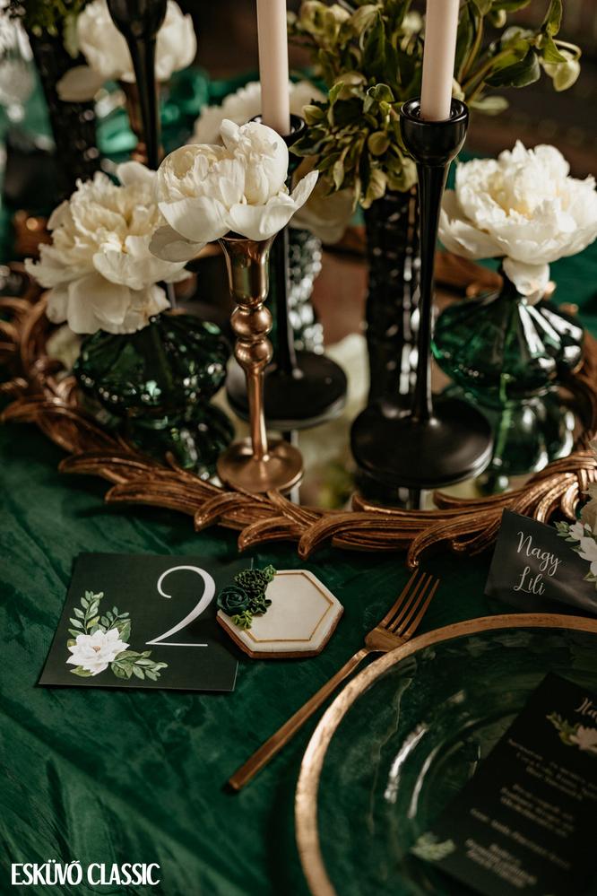 Green & Gold Wedding by TMJcreative