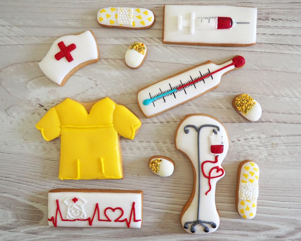 Nurse Cookie Set by Szalony Cukiernik