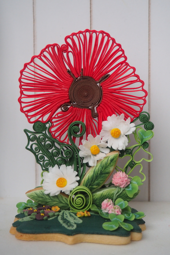 Floral Arrangement on Cookie by Szalony Cukiernik