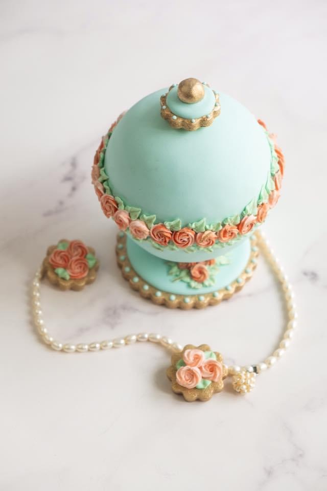 3-D Cookie Jewelry Box - View 1