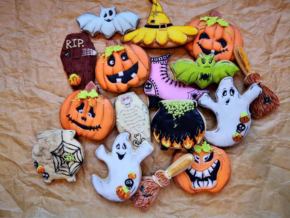 Halloween Clutter - Top Down