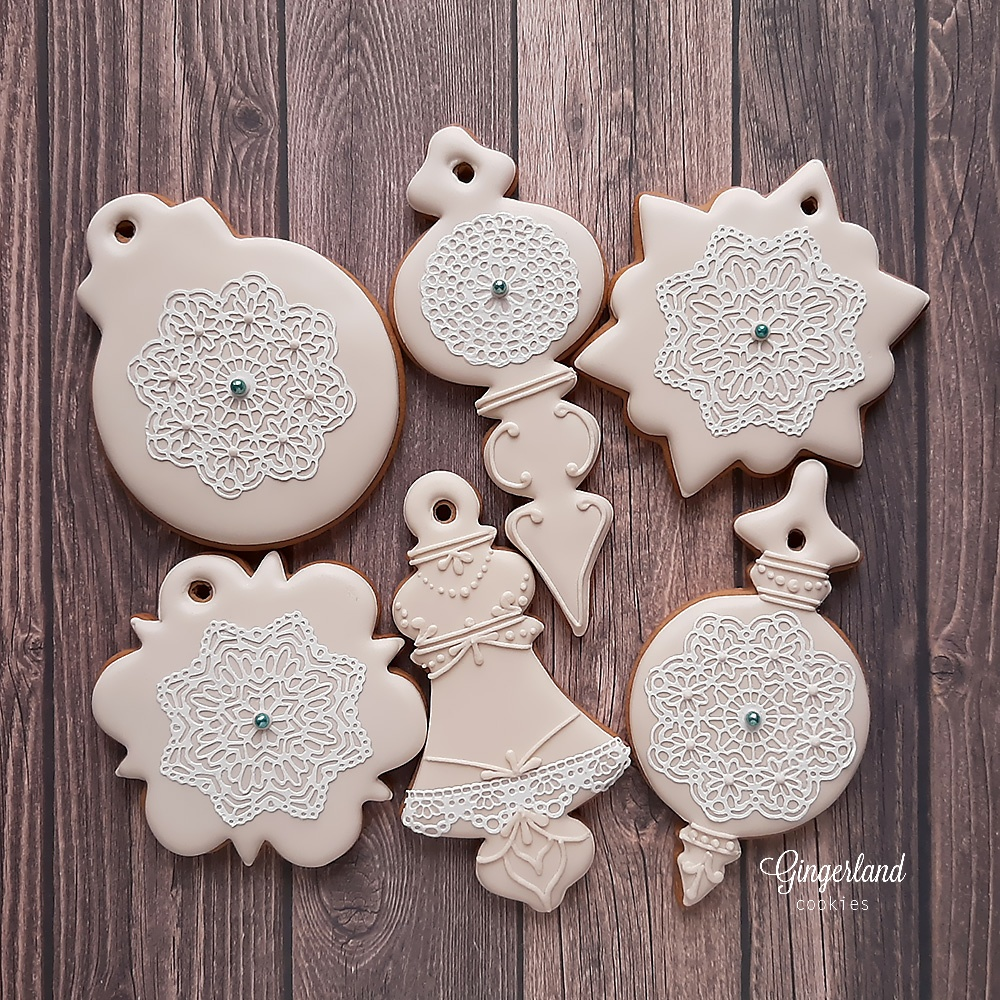 Xmas Ornaments with Sugar Lace