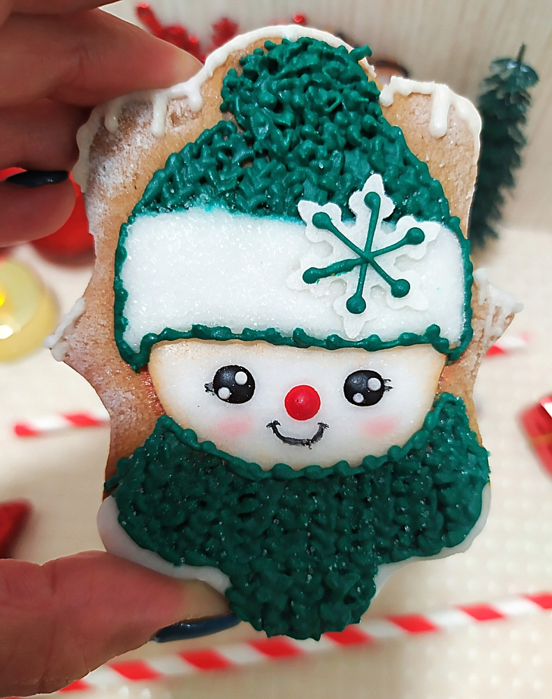 Another Cute Snowman by Gele's Cookies