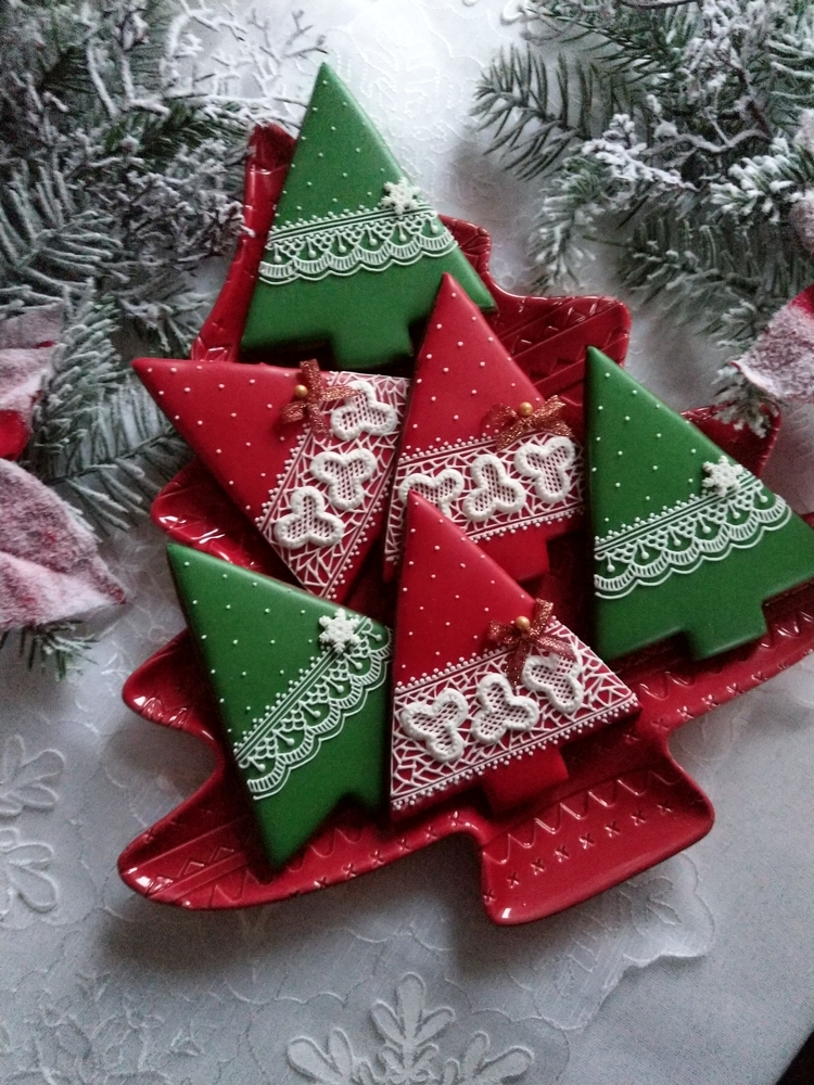 Christmas Trees with Embroidery Patterns
