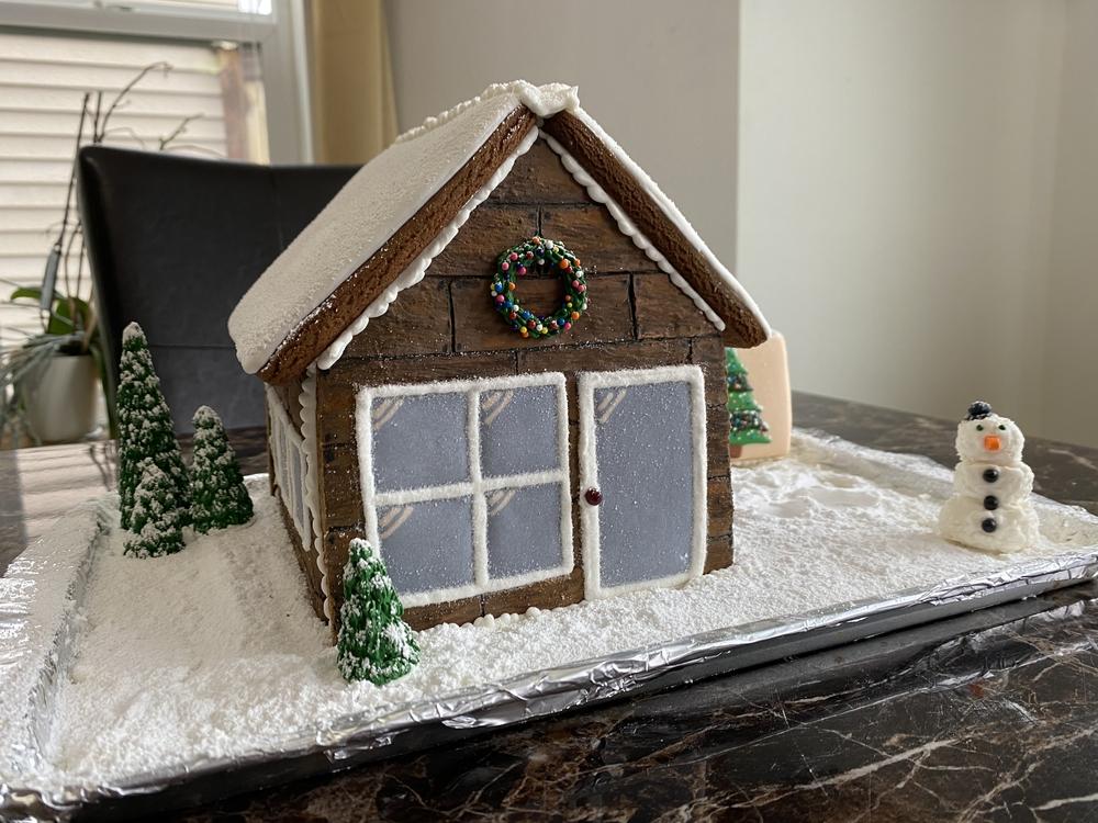 3-D Gingerbread House