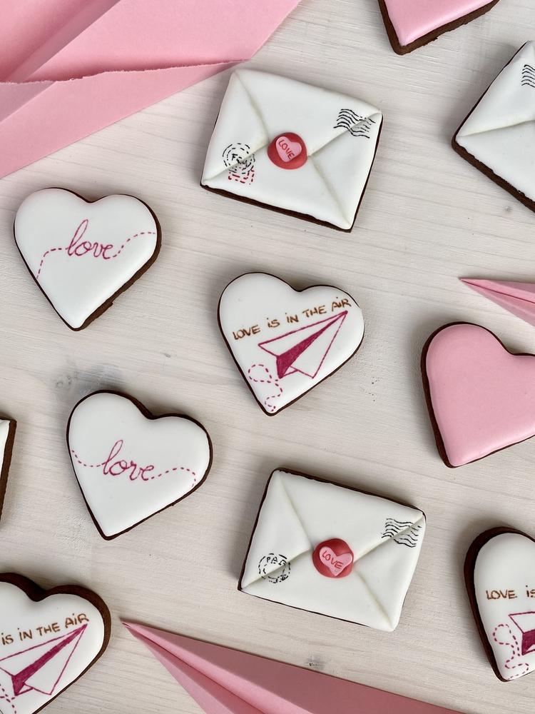 Valentine's Day Mail - View #4