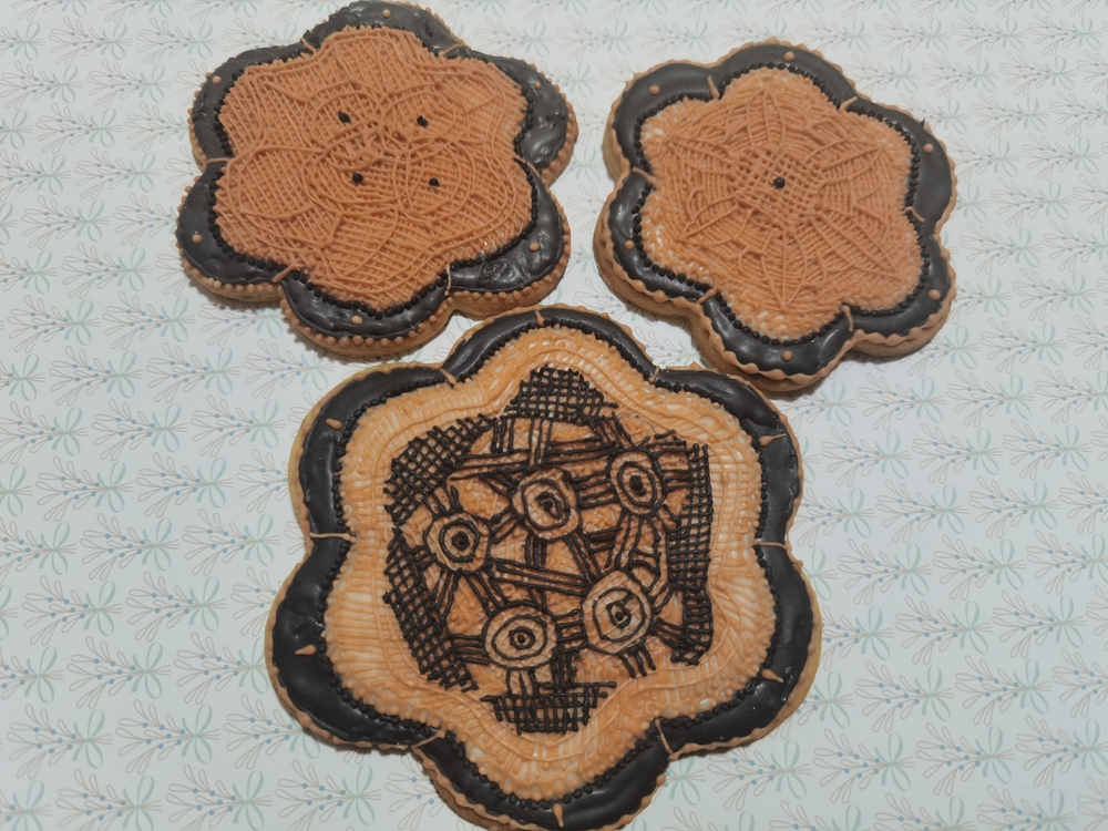 Crocheted Doily Cookies