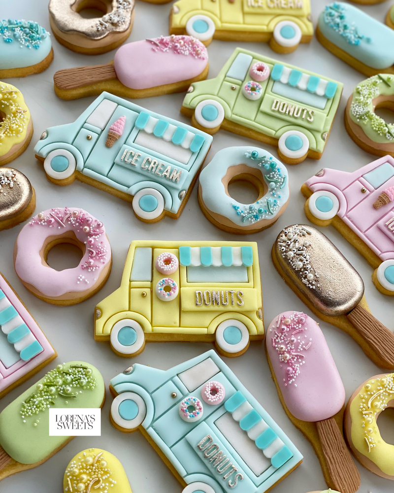 Sweetness Truck . By Lorena Rodríguez of Lorena's Sweets