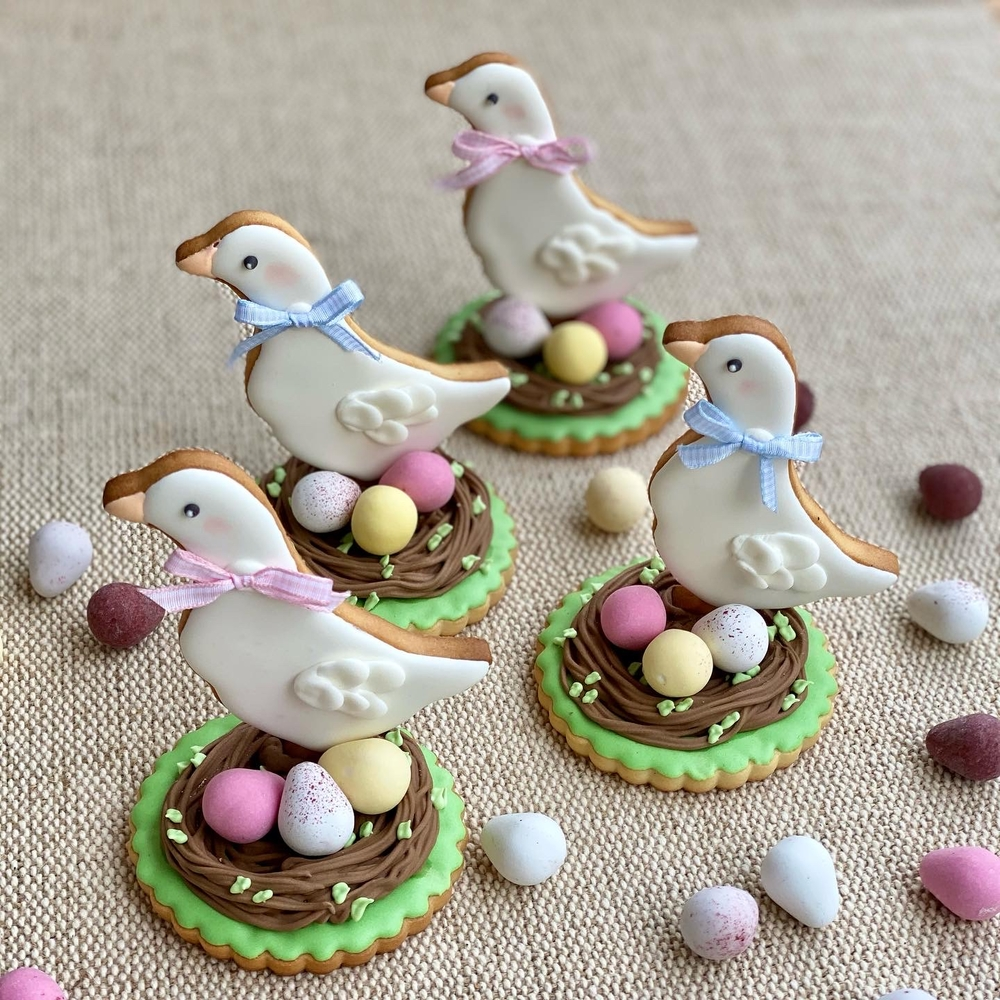 Easter Ducks in Nests