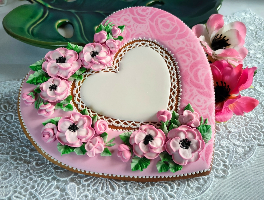 Airbrushed Heart with Flowers