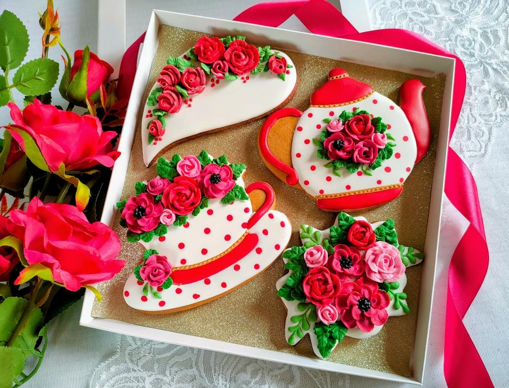 Zestaw z Anemonami i Rożami (aka Set with Anemones and Roses)