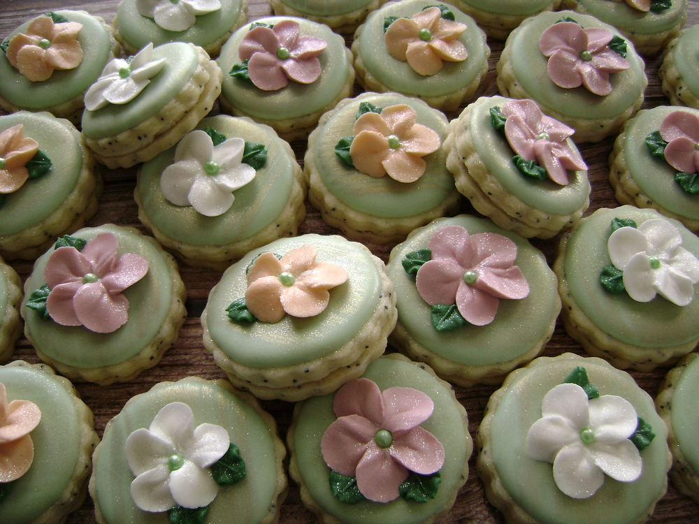 Mini Blossom Sandwich Cookies
